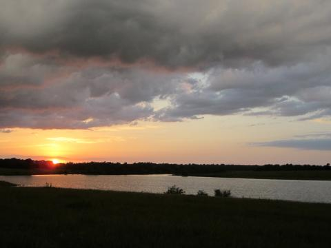 <p>Sunset on a lake near Emporia KS.</p>